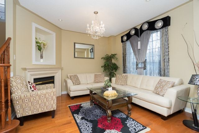Detached at 11 Innisvale Dr, Markham, Ontario. Image 15
