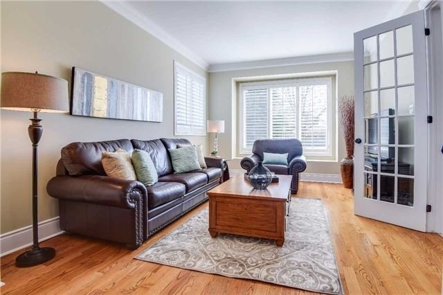 Detached at 693 Foxcroft Blvd, Newmarket, Ontario. Image 14