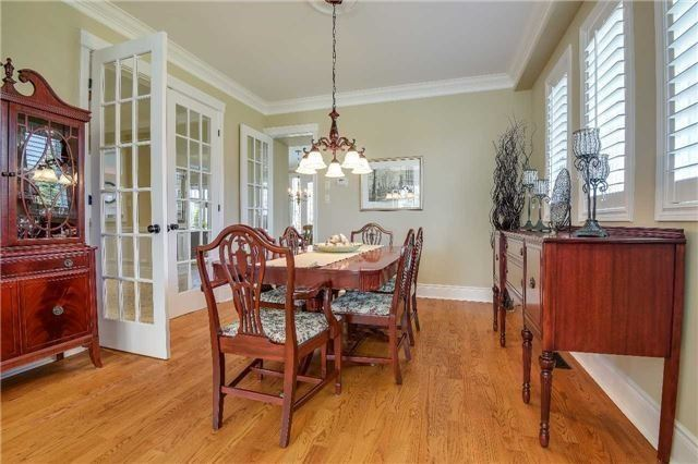 Detached at 693 Foxcroft Blvd, Newmarket, Ontario. Image 15