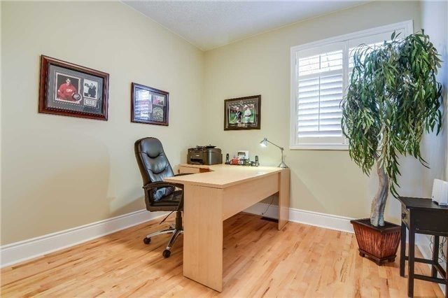 Detached at 693 Foxcroft Blvd, Newmarket, Ontario. Image 20