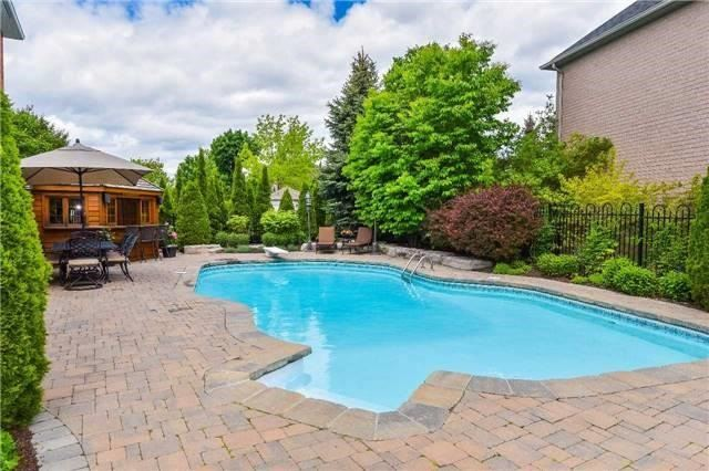 Detached at 693 Foxcroft Blvd, Newmarket, Ontario. Image 8