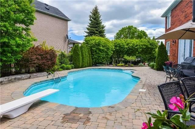 Detached at 693 Foxcroft Blvd, Newmarket, Ontario. Image 10