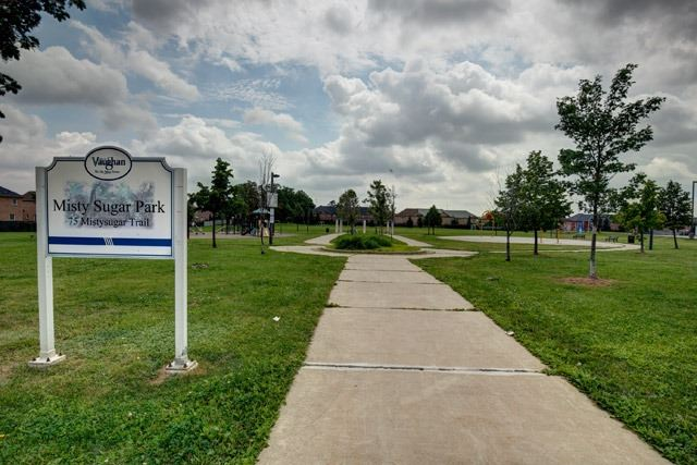 Detached at 72 Mistysugar Tr, Vaughan, Ontario. Image 12