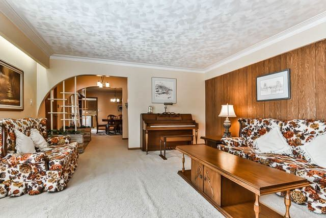 Detached at 6493 Elgin Mills Rd E, Markham, Ontario. Image 16