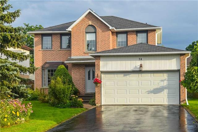 Detached at 74 Mcintyre Crt, Newmarket, Ontario. Image 1