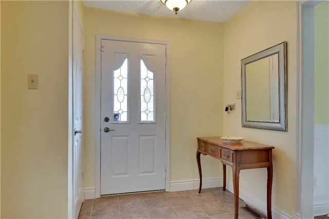 Detached at 74 Mcintyre Crt, Newmarket, Ontario. Image 14