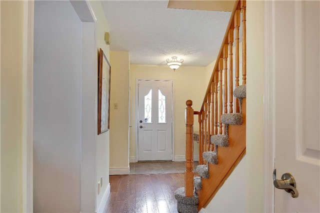 Detached at 74 Mcintyre Crt, Newmarket, Ontario. Image 15