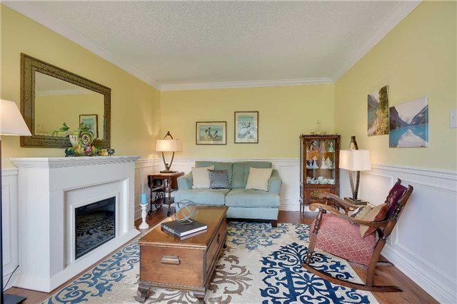 Detached at 74 Mcintyre Crt, Newmarket, Ontario. Image 17
