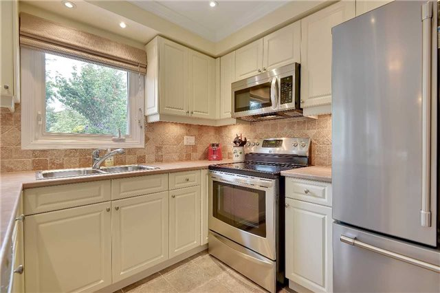 Detached at 74 Mcintyre Crt, Newmarket, Ontario. Image 20