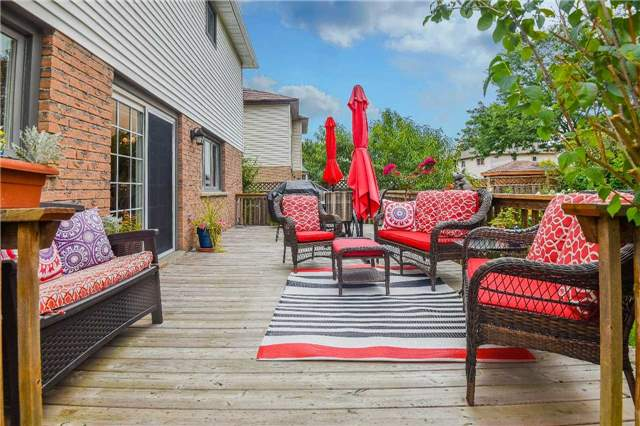 Detached at 74 Mcintyre Crt, Newmarket, Ontario. Image 10