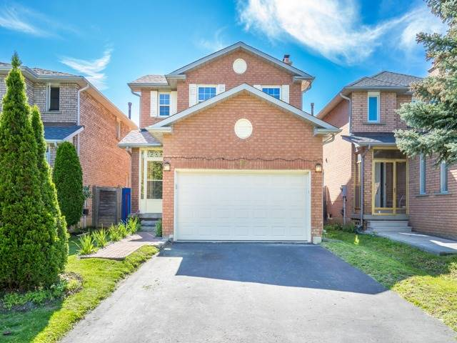 Detached at 132 Summitcrest Dr, Richmond Hill, Ontario. Image 1