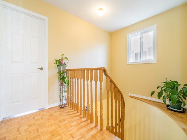 Detached at 132 Summitcrest Dr, Richmond Hill, Ontario. Image 4