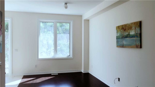 Townhouse at 47 Capreol Ave, Aurora, Ontario. Image 7
