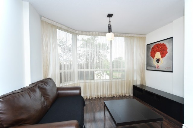 Condo Apartment at 8501 Bayview Ave, Unit 312, Richmond Hill, Ontario. Image 19
