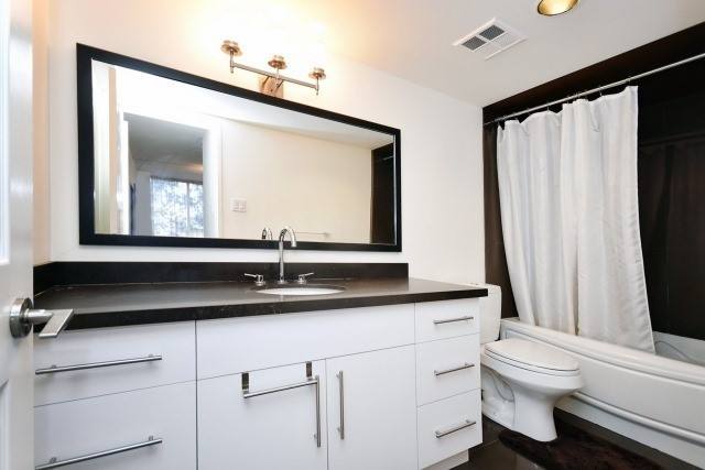 Condo Apartment at 8501 Bayview Ave, Unit 312, Richmond Hill, Ontario. Image 2