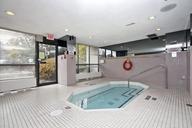 Condo Apartment at 8501 Bayview Ave, Unit 312, Richmond Hill, Ontario. Image 10