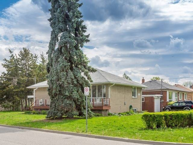 Detached at 446 Bent Cres, Richmond Hill, Ontario. Image 5