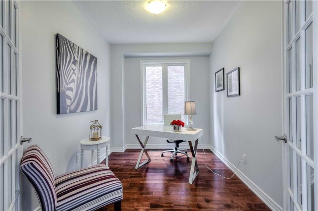 Detached at 33 Beacon Point St, Markham, Ontario. Image 20