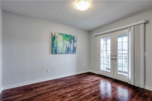 Detached at 33 Beacon Point St, Markham, Ontario. Image 6