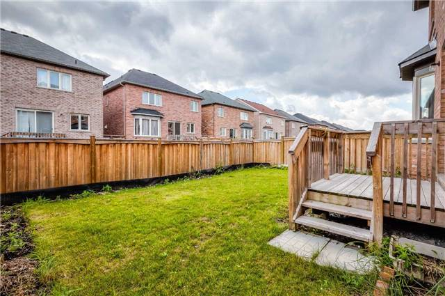 Detached at 33 Beacon Point St, Markham, Ontario. Image 13