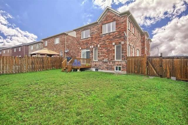Detached at 531 Woodspring Ave, East Gwillimbury, Ontario. Image 13