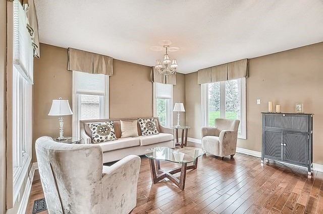 Detached at 56 Arthur Hall Dr, East Gwillimbury, Ontario. Image 18