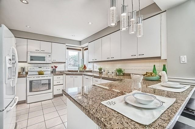 Detached at 56 Arthur Hall Dr, East Gwillimbury, Ontario. Image 19