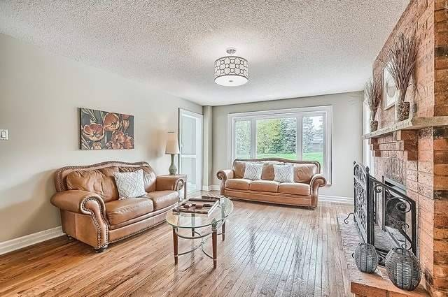 Detached at 56 Arthur Hall Dr, East Gwillimbury, Ontario. Image 2