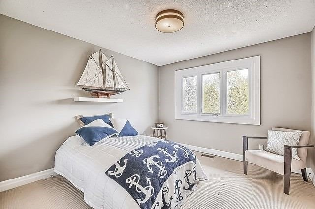 Detached at 56 Arthur Hall Dr, East Gwillimbury, Ontario. Image 6