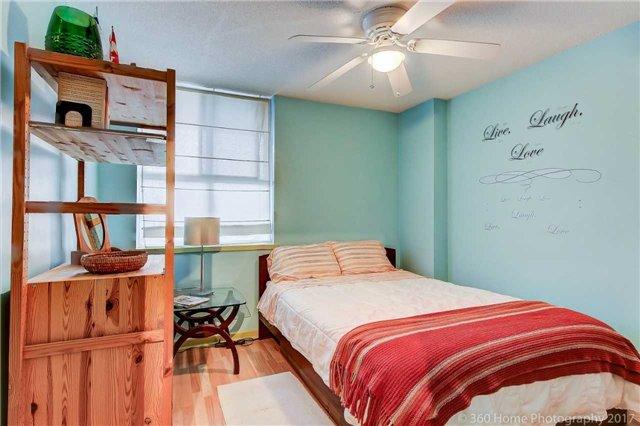 Condo Apartment at 80 Inverlochy Blvd, Unit 501, Markham, Ontario. Image 16