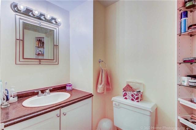 Condo Apartment at 80 Inverlochy Blvd, Unit 501, Markham, Ontario. Image 2