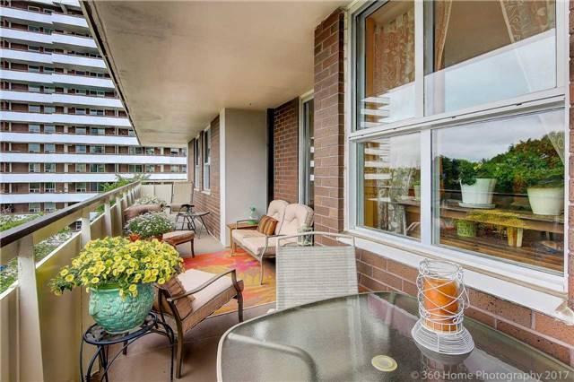 Condo Apartment at 80 Inverlochy Blvd, Unit 501, Markham, Ontario. Image 4
