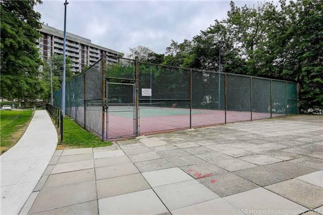 Condo Apartment at 80 Inverlochy Blvd, Unit 501, Markham, Ontario. Image 5