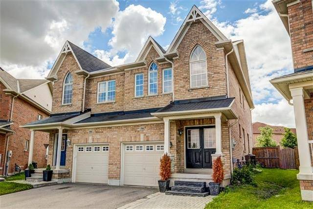 Semi-detached at 78 Four Seasons Cres, Newmarket, Ontario. Image 1