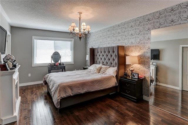 Semi-detached at 78 Four Seasons Cres, Newmarket, Ontario. Image 11