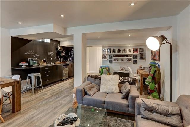 Semi-detached at 78 Four Seasons Cres, Newmarket, Ontario. Image 14