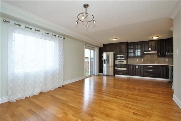 Semi-detached at 354 Spruce Grove Cres, Newmarket, Ontario. Image 11