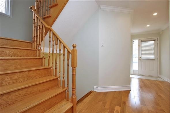 Semi-detached at 354 Spruce Grove Cres, Newmarket, Ontario. Image 12