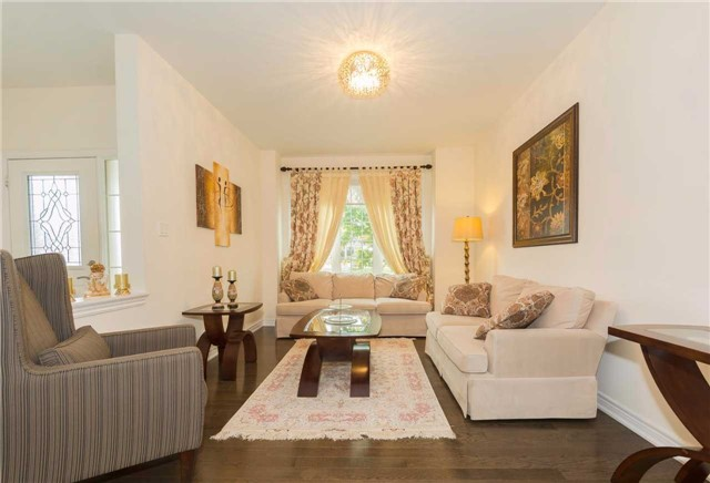 Detached at 369 Tower Hill Rd, Richmond Hill, Ontario. Image 12