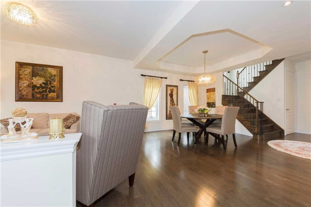 Detached at 369 Tower Hill Rd, Richmond Hill, Ontario. Image 15