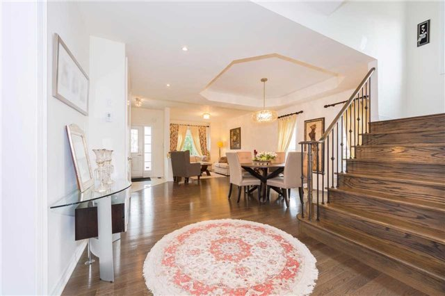 Detached at 369 Tower Hill Rd, Richmond Hill, Ontario. Image 17