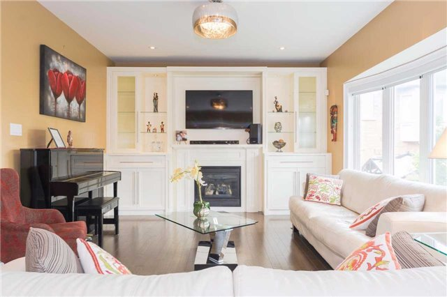 Detached at 369 Tower Hill Rd, Richmond Hill, Ontario. Image 19