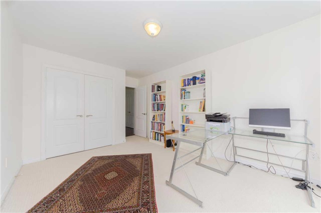 Detached at 369 Tower Hill Rd, Richmond Hill, Ontario. Image 10