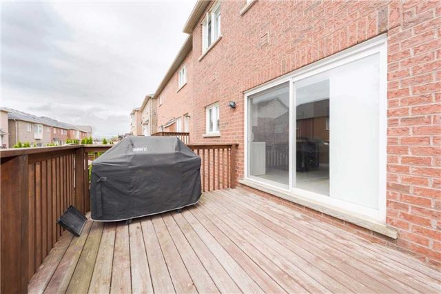 Detached at 369 Tower Hill Rd, Richmond Hill, Ontario. Image 11