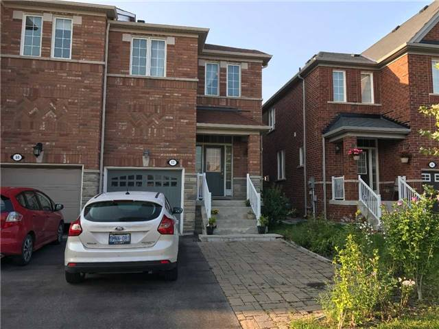 Townhouse at 12 Gosnel Circ, Bradford West Gwillimbury, Ontario. Image 1