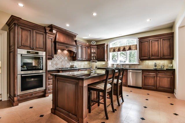 Detached at 45 William St, Whitchurch-Stouffville, Ontario. Image 17