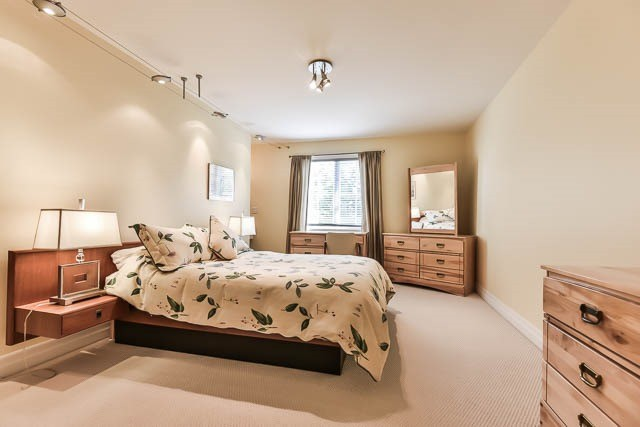 Detached at 45 William St, Whitchurch-Stouffville, Ontario. Image 5