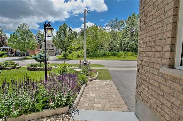 Detached at 106 Snowy Meadow Ave, Richmond Hill, Ontario. Image 11