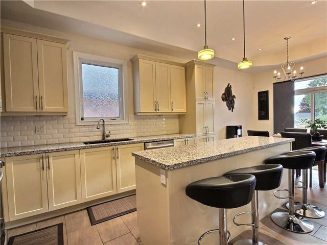 Detached at 8 Philson Crt, Innisfil, Ontario. Image 5