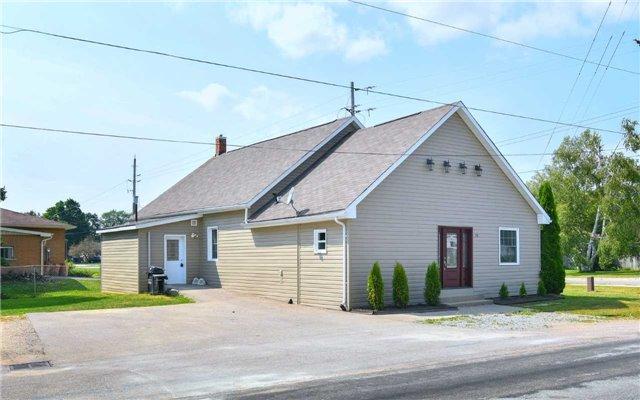 Detached at 75 Denney Dr, Essa, Ontario. Image 1